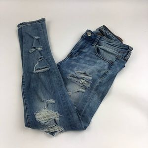 American Eagle Overly Distressed Jeans